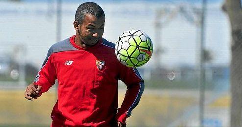 Mariano Ferreira ha ido de menos a m�s en el Sevilla, para acabar a un muy buen nivel. Mariano