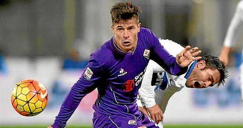 Roncaglia, en un partido con la Fiorentina.