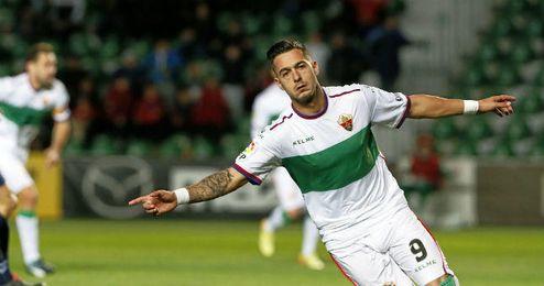 Sergio León tiene una cláusula de 2 kilos.