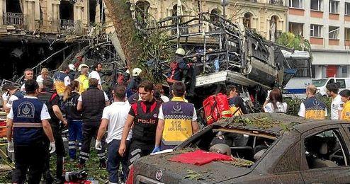 Imagen de los da�os causados por el atentado.