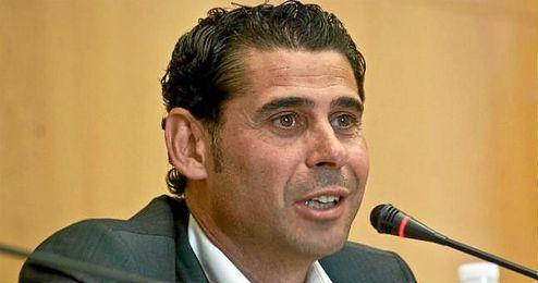 Fernando Hierro en rueda de prensa.