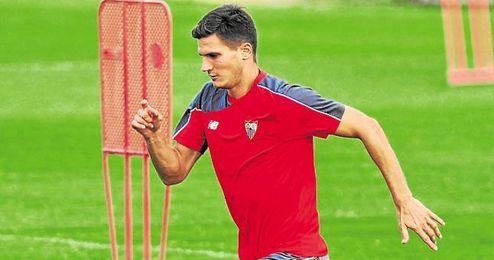 Marco Andreolli ha encontrado en la tormenta desatada en Sevilla con el ´caso Emery´ una oportunidad extra.
