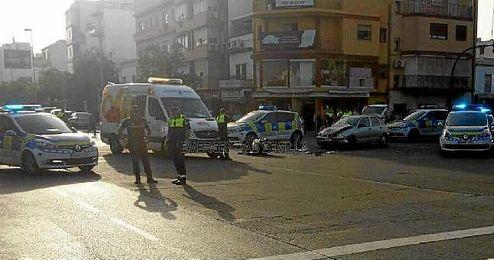 Los servicios policiales acordonan la zona.