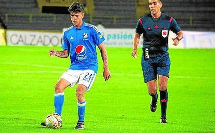 Jorge Carrascal, durante un partido con el Millonarios colombiano, cuento los días para empezar su desafío en el Sevilla.
