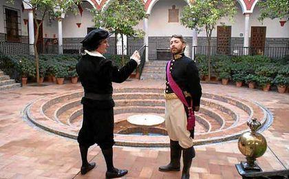 Representación teatral en el centro de Sevilla.