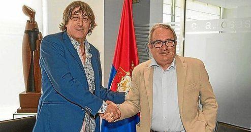 Enrique Martín seguirá al cargo de Osasuna