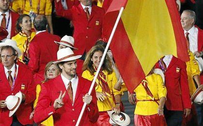 Los deportistas españoles desfilando en la ceremonia inaugural de Londres 2012.