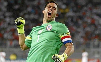 Tras la derrota ante Argentina en el primer partido por 1-2, el portero fue objeto principal de las cr�ticas.