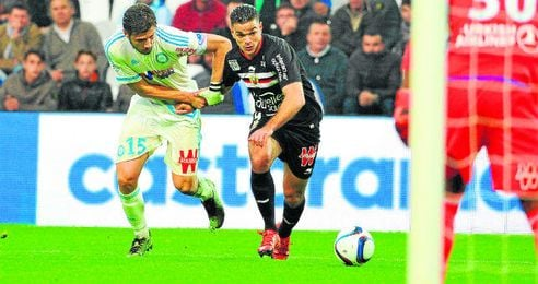 Hatem Ben Arfa acaba hoy su contrato con el Niza y podría confirmar su nuevo destino, que podría llevarle al PSG de la mano de un Emery que también desea reclutar a Krychowiak para su proyecto en el club francés.
