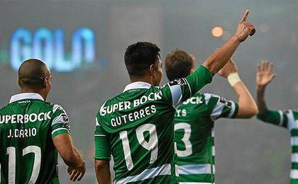 Los jugadores del Sporting de Portugal celebran un tanto el pasado curso.