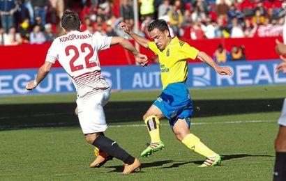 Roque Mesa, en el partido ante el Sevilla en el S�nchez Pizju�n.