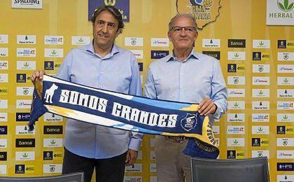 Casimiro junto a Bentacour en su presentación como entrenador del Gran Canaria.