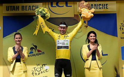 Cavendish se enfundó el primer maillot amarillo.