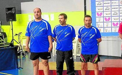 En la imagen, los representantes del C.D. Sevilla No&Do.
