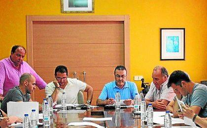 Pablo Lozano, en la reuni�n celebrada ayer.