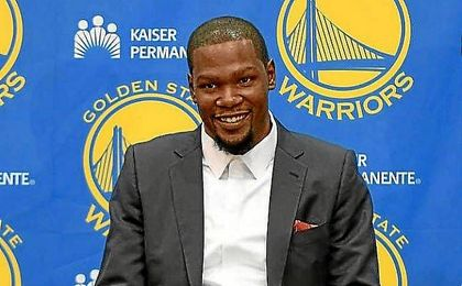 Kevin Durante, nuevo jugador de los Warriors