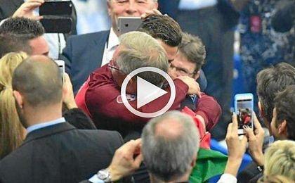 (Vídeo) El emotivo abrazo de Ferguson con Cristiano Ronaldo