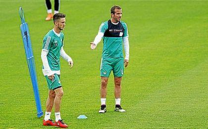 Van der Vaart, en un entrenamiento verdiblanco.
