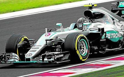 """""""Es fant�stico empezar el d�a con el anuncio de la ampliaci�n de mi contrato y luego todo ha salido bien"""", afirm� Rosberg."""