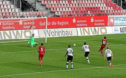 Konoplyanka anot� de penalti el 1-1.
