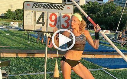 Supera los 4,90 metros de la rusa Yelena Isinbayeva, hasta ahora mejor marca de 2016.
