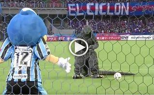 Jap�n, el �nico lugar del mundo donde Godzilla puede tirar un penalti
