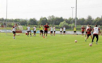 El Sevilla, entrenando.