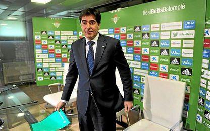 El máximo mandatario bético se muestra satisfecho por la salvación del baloncesto en Sevilla.,