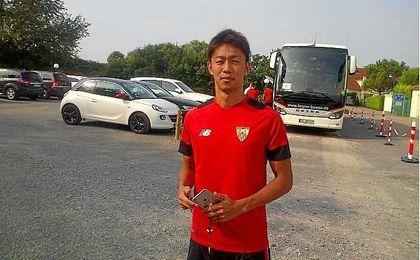 Kiyotake, en el segundo entrenamiento del Sevilla en Alemania.
