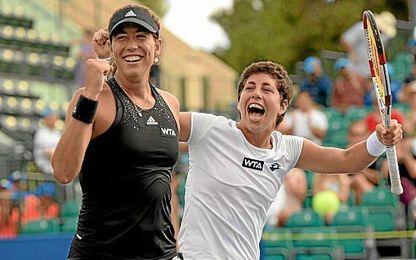 Garbi�e y Carla contin�an en top 10 de la WTA.