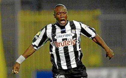 Fabrice Lokaso-Lokembo en su etapa en el Charleroi SC