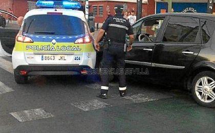 Los agentes decidieron cortarle el paso y los vehículos colisionaron.