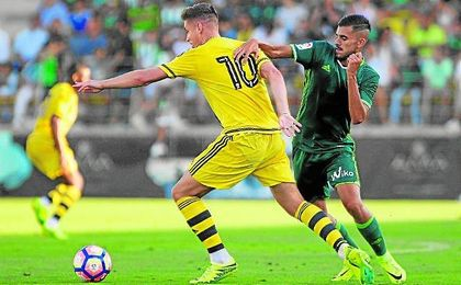 Dani Ceballos es el futbolista con el que más ha contado Poyet en esta pretemporada y el único (junto a Álex Alegría) que ha jugado todos los amistosos.