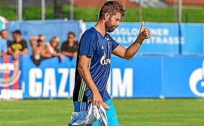 Coke, durante su primer partido con el Schalke 04.
