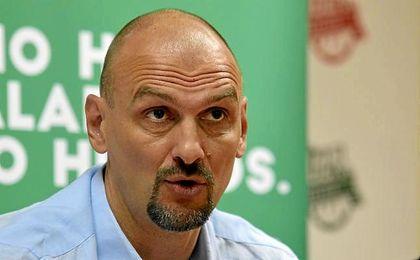 Tabak, entrenador del Betis Energía Plus.