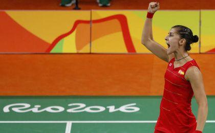 Carolina Marín celebrando un triunfo.