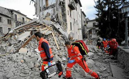 Al menos 73 personas han muerto en el devastador terremoto de 6 de magnitud en la escala de Richter.