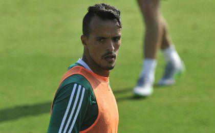 Kadir, en un entrenamiento con el Betis.