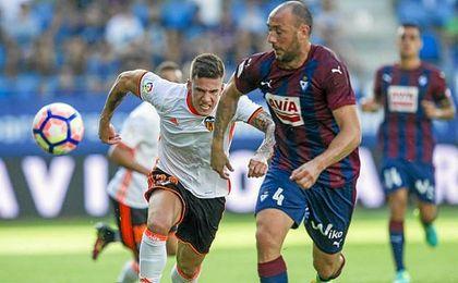 Derrota del Valencia ante el Eibar en Ipurua.