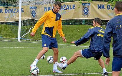 Antonio Mance en un entrenamiento con el Domzale esloveno.