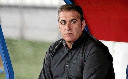 Sandoval, en el banquillo del Rayo Vallecano.