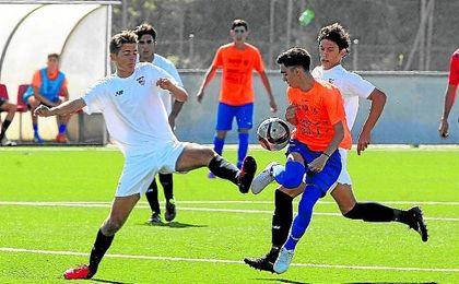 El Sevilla se impuso con mucha claridad al conjunto onubense del Punta del Caimán por 5-0.