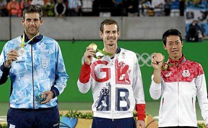 Del Potro, Murray y Nishikori posan con la medalla en Río.