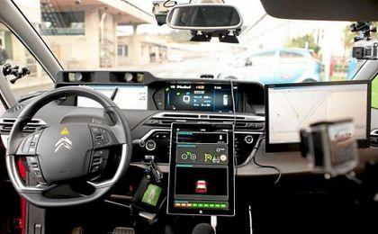 Así es el interior de un coche autónomo.
