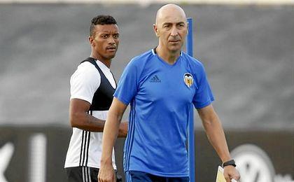 Jorge Valdano salió de club tras encadenar 3 derrotas en el inicio liguero, una menos que Ayestarán.
