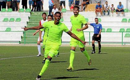 Junior, autor del segundo gol del Betis B en la victoria contra el Antoniano.