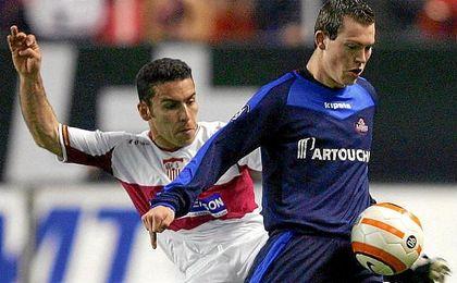La única victoria del Sevilla frente a un rival galo fue en la vuelta de octavos de de la UEFA 05/06.