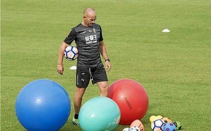 Paco Jémez es destituido como entrenador del Granada CF.