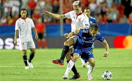 Nasri brilló tanto en el apartado ofensivo, como en defensa, presionando y robando.
