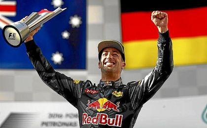 Ricciardo, radiante en el podio de Sepang.